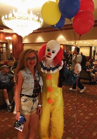 classic Pennywise cosplay from MMC37